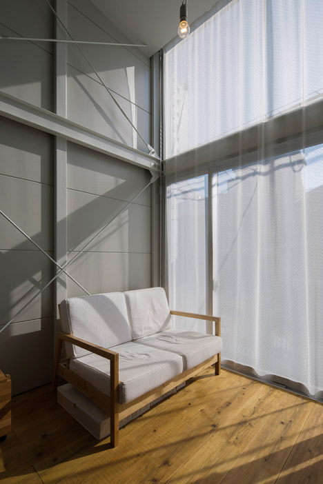 Kakko-House-Curtains-via-DeZeen